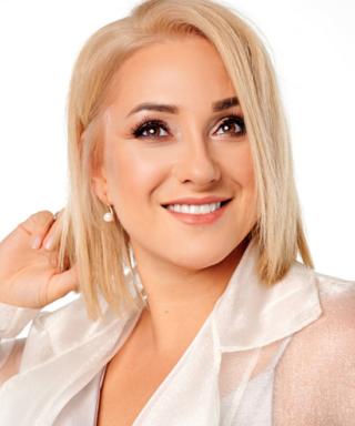 Катя Красникова - телеведущая