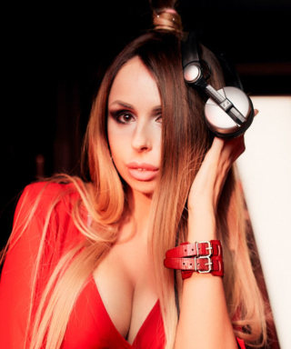 DJ LAGANZA - певица и диджей