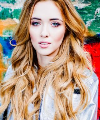 Евгения Данилова - певица Scarlett