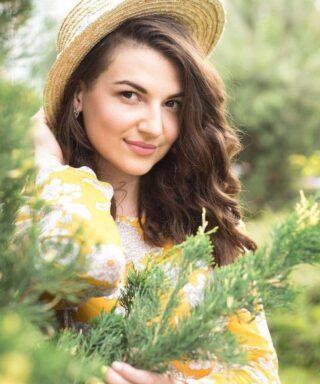 Евгения Бугай - певица GUNARI